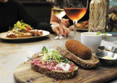 Brasserie en Wijnbar Genieten
